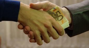 Az alacsony jövedelműek ezzel a 3 karácsonyi személyi kölcsönnel oldhatják meg könnyen az ajándékozás